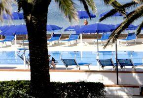 piscina hotel porto conte alghero sardegna 2